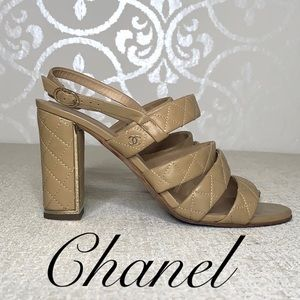 CHANEL NUDE COLORED QUILTED BLOCK HEEL SANDAL